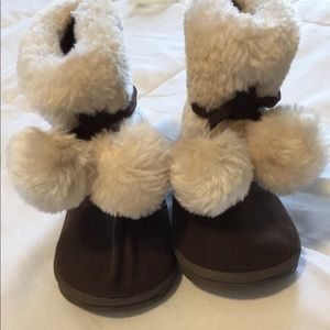 Other - Toddler fuzzy boots